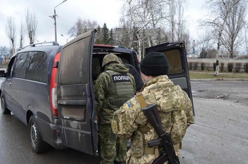 В течении первого дня усиленного отработки Покровска раскрыто 5 преступлений и прекращено 35 административных правонарушений, фото-7