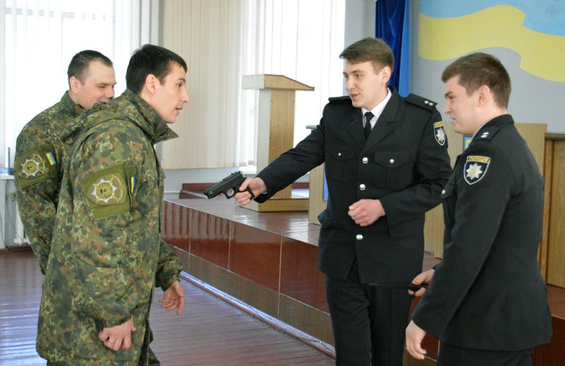 В Покровском отделе полиции прошли занятия по служебной подготовке, фото-2