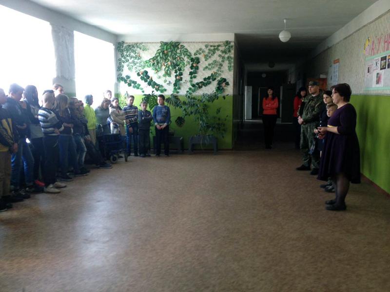 Правила поведінки в школі та за її межами нагадали учням району покровські правоохоронці, фото-2