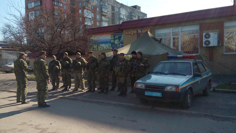 На варті правопорядку: наряди поліції Покровської оперативної зони заступили на чергування «вихідного дня», фото-11