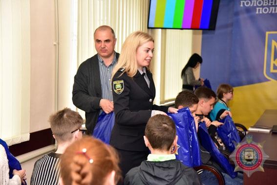 Туди, де немає війни. поліцейські відправили дітей з прифронтової Донеччини на відпочинок до Закарпаття, фото-10