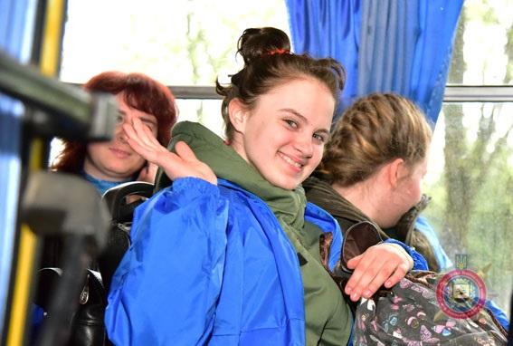 Туди, де немає війни. поліцейські відправили дітей з прифронтової Донеччини на відпочинок до Закарпаття, фото-16