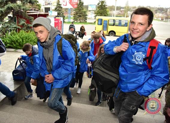 Туди, де немає війни. поліцейські відправили дітей з прифронтової Донеччини на відпочинок до Закарпаття, фото-18