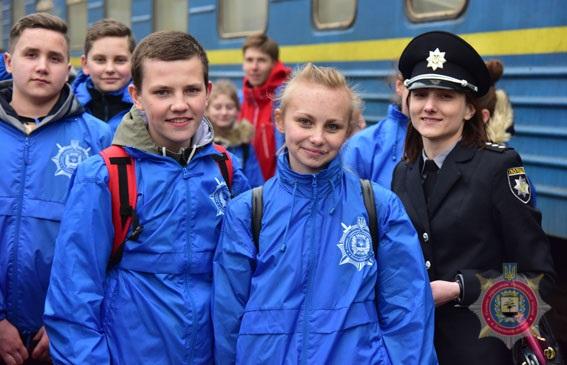 Туди, де немає війни. поліцейські відправили дітей з прифронтової Донеччини на відпочинок до Закарпаття, фото-21