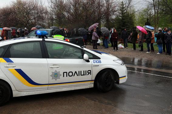 У святковий тиждень поліція Донеччини прийняла 4514 дзвінків, кожний восьмий з них – інформаційного характеру, фото-2