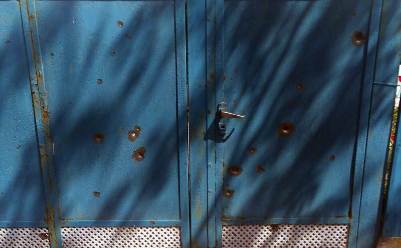 У Авдіївці снарядами терористів пошкоджено 3 будинки, поранено двоє місцевих жителів, фото-6