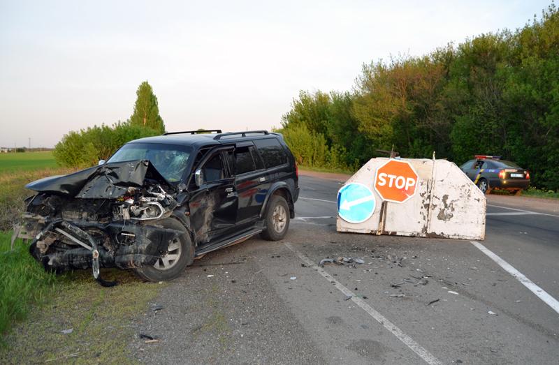 В Покровске на блокпосту нетрезвый водитель совершил ДТП, протаранив железобетонный блок (ФОТО), фото-2