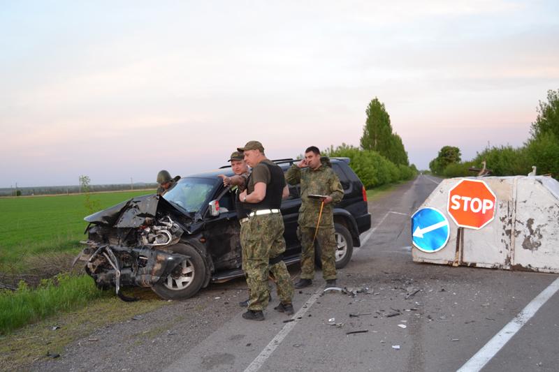 В Покровске на блокпосту нетрезвый водитель совершил ДТП, протаранив железобетонный блок (ФОТО), фото-3
