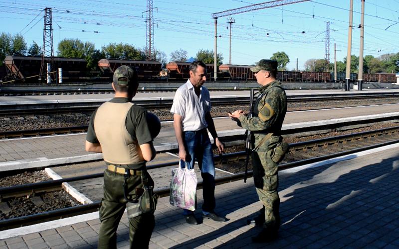 Правоохоронці Покровської оперативної зони несуть службу в посиленому режимі (ФОТОРЕПОРТАЖ), фото-1