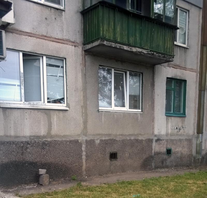 Покровчане, закрывайте окна: вор-уголовник проник в квартиру через окно с целью ограбления, фото-1