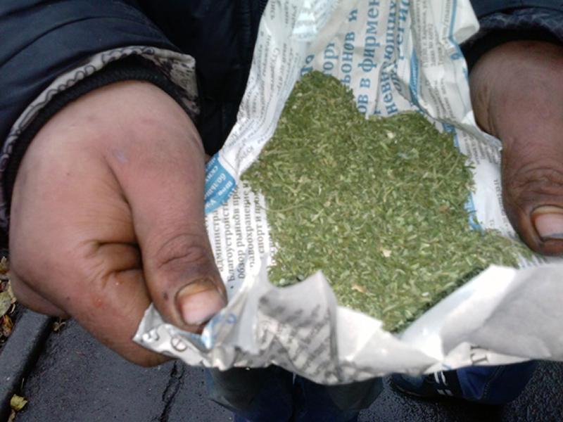 Чотири факти незаконного зберігання наркотиків виявили поліцейські Покровської оперзони минулої доби, фото-2
