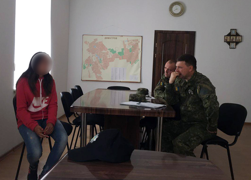 Мирноградские полицейские вернули в семью 14-летнюю девушку, которую разыскивали всю ночь , фото-1