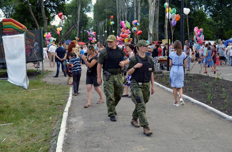 Мешканці та гості Покровська і Авдіївки відсвяткували День металурга і гірника у повній безпеці, фото-10