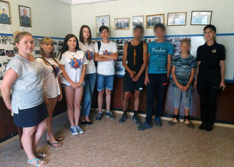 Неповнолітні правопорушники побували в ізоляторі тимчасового тримання Добропільської поліції, фото-1