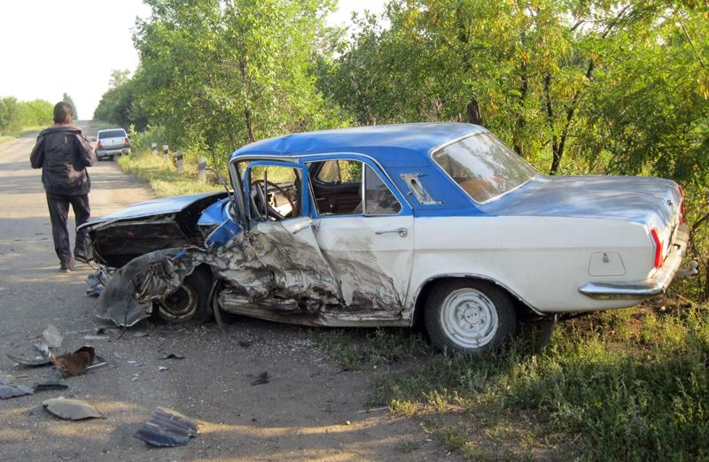 Вчера в Добропольском районе не поделили дорогу два автомобиля: есть пострадавшие, фото-2