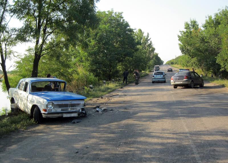 Вчера в Добропольском районе не поделили дорогу два автомобиля: есть пострадавшие, фото-3
