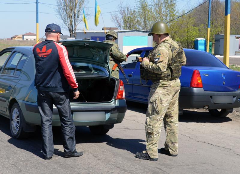 312 правопорушень зафіксовано на блокпостах Покровська від початку року, фото-15