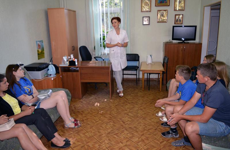 Учасники «Ліги майбутніх поліцейських» відвідали Покровський наркологічний диспансер, фото-1