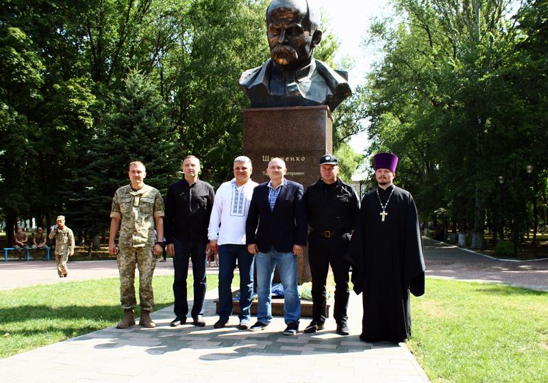Правоохоронці Покровська забезпечують правопорядок у містах під час святкування Дня незалежності України, фото-11