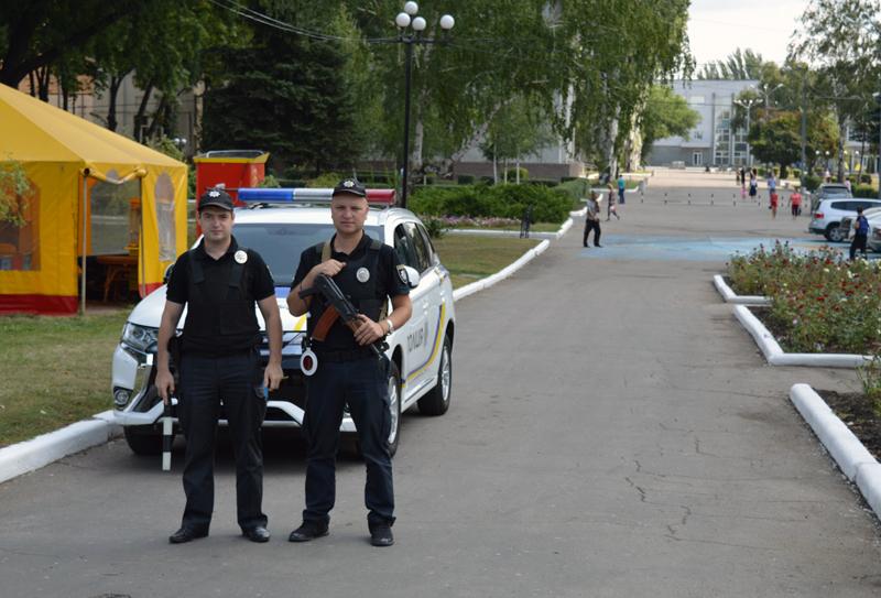 Правоохоронці Покровська забезпечують правопорядок у містах під час святкування Дня незалежності України, фото-10