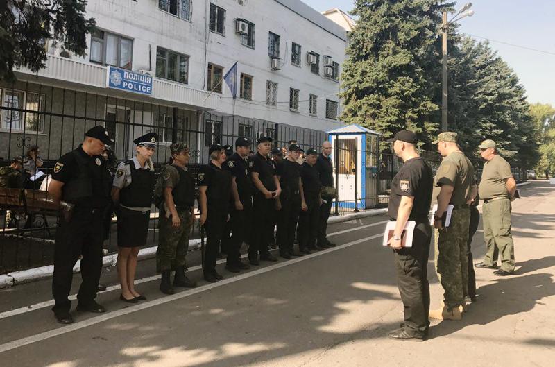 Правоохоронці Покровська забезпечують правопорядок у містах під час святкування Дня незалежності України, фото-1
