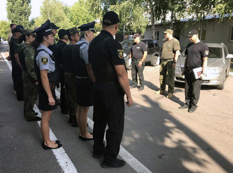 Правоохоронці Покровська забезпечують правопорядок у містах під час святкування Дня незалежності України, фото-2