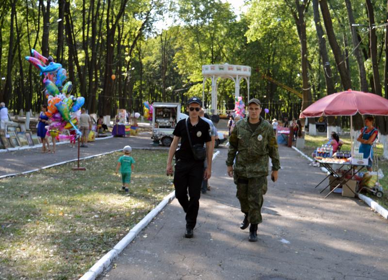 Правоохоронці Покровської оперативної зони забезпечують правопорядок під час святкування Дня міста та Дня шахтаря, фото-2