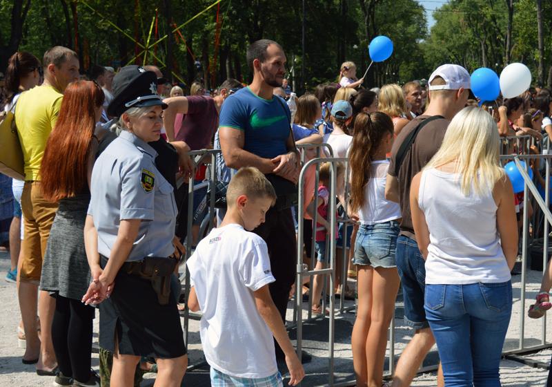 Правоохоронці Покровської оперативної зони забезпечили публічну безпеку під час святкування Дня міста і Дня шахтаря, фото-1