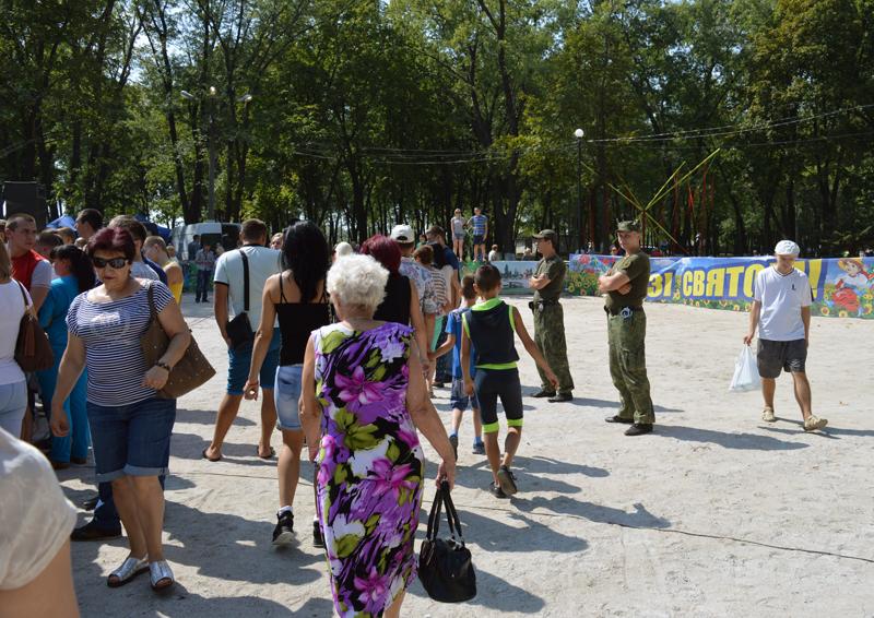 Правоохоронці Покровської оперативної зони забезпечили публічну безпеку під час святкування Дня міста і Дня шахтаря, фото-2