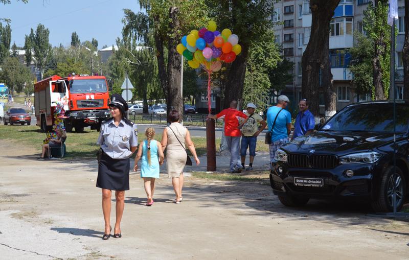 Правоохоронці Покровської оперативної зони забезпечили публічну безпеку під час святкування Дня міста і Дня шахтаря, фото-3