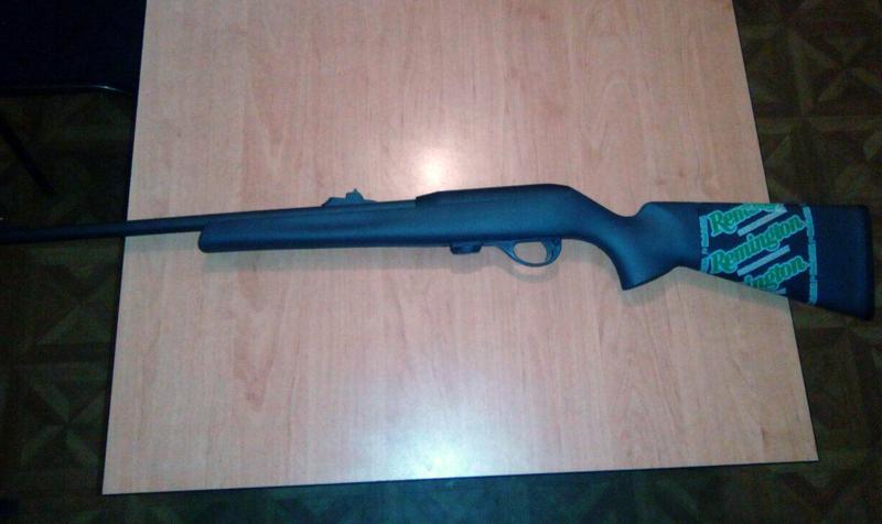 Житель Доброполья добровольно сдал оружие в полицию, фото-1