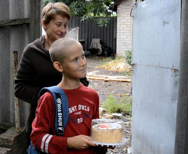Руководство Покровского отдела полиции поздравило детей прифронтовой Авдеевки с наступающим учебным годом, фото-6