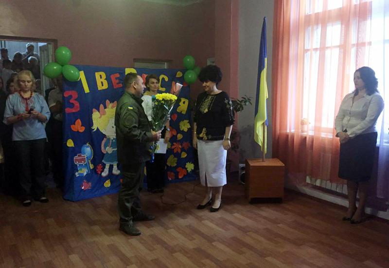 Правоохоронці Покровської оперативної зони забезпечили правопорядок під час святкування Дня знань, фото-5