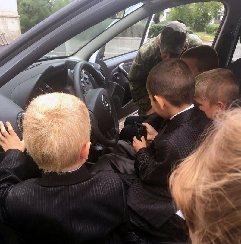 Правоохоронці Покровської оперативної зони забезпечили правопорядок під час святкування Дня знань, фото-7