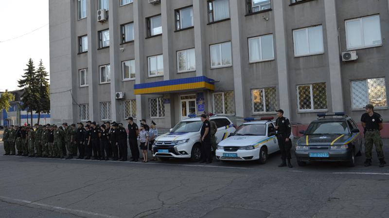 Поліцейські Покровська та Мирнограду, які охоронятимуть спокій громадян у вихідні, публічно заступили на службу, фото-1
