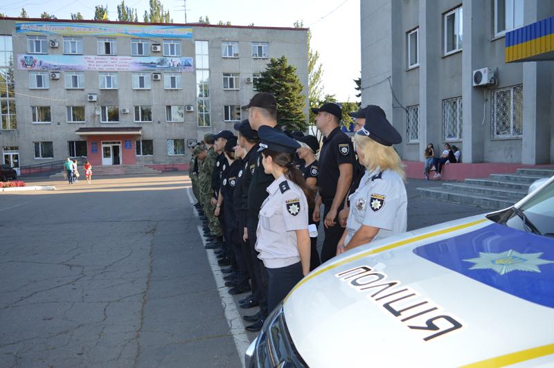 Поліцейські Покровська та Мирнограду, які охоронятимуть спокій громадян у вихідні, публічно заступили на службу, фото-4
