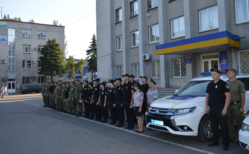 Поліцейські Покровська та Мирнограду, які охоронятимуть спокій громадян у вихідні, публічно заступили на службу, фото-3