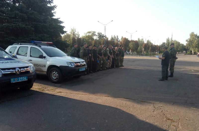 Поліцейські Покровська та Мирнограду, які охоронятимуть спокій громадян у вихідні, публічно заступили на службу, фото-6