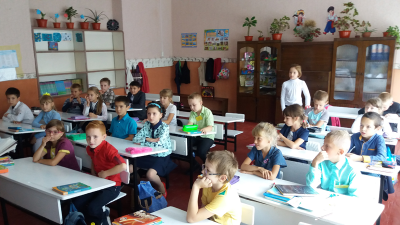 Поліцейські Мирнограду провели для школярів міста заняття із закріплення ПДР, фото-6