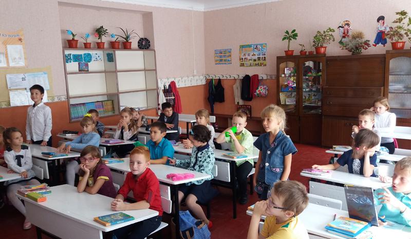 Поліцейські Мирнограду провели для школярів міста заняття із закріплення ПДР, фото-3