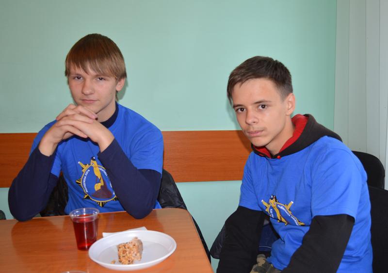 Участники «Лиги будущих полицейских» поделились новейшими идеями с Покровскими правоохранителями, фото-3