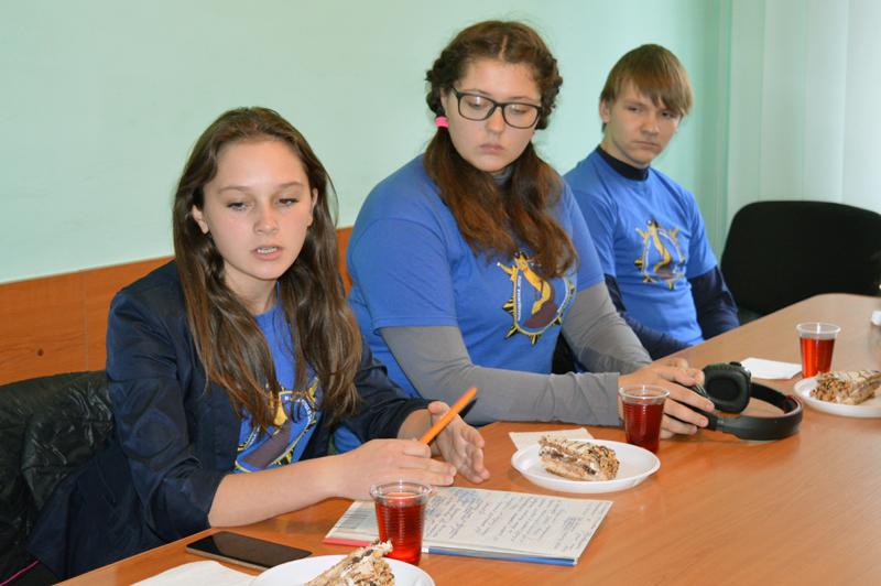 Участники «Лиги будущих полицейских» поделились новейшими идеями с Покровскими правоохранителями, фото-5