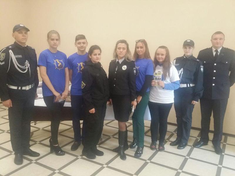 Сотрудники Покровского отдела полиции приняли участие в «Ярмарке вакансий» и представили преимущества своей работы, фото-7