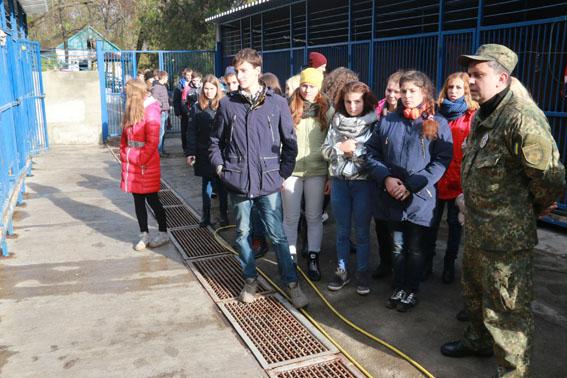 Канікули з поліцейськими: у ГУНП в Донецькій області приймали 40 старшокласників з Покровська, фото-9