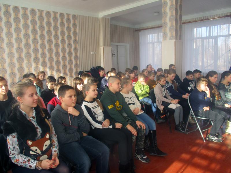 Полицейские Покровска рассказали школьникам о главных положениях Конвенции ООН о правах ребенка, фото-3