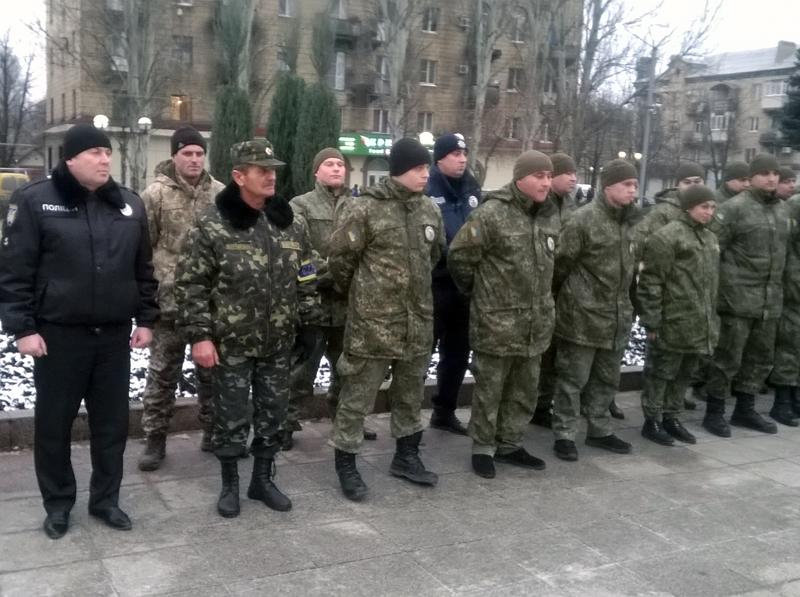 Поліцейські Добропілля, які охоронятимуть спокій громадян у вихідні, публічно заступили на службу, фото-4