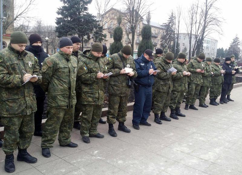 Правоохоронці Добропілля готові до забезпечення правопорядку на вихідні та святкові дні, фото-3