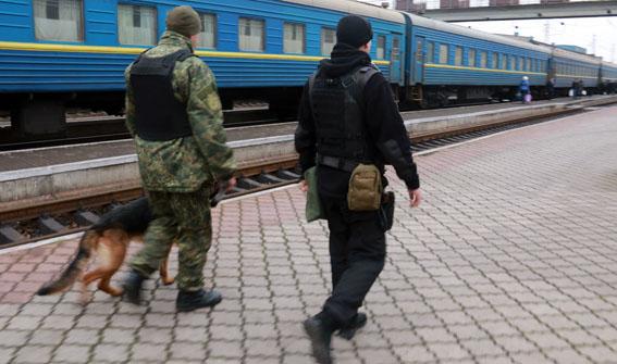 На Донеччині у новорічну ніч грубих порушень публічної безпеки не допущено, фото-3