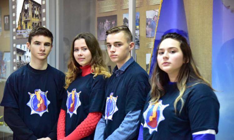 Канікули з поліцейськими: молодь Донеччини побачила, як працюють інтелектуальні технології безпеки, фото-1