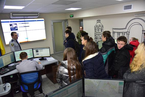 Канікули з поліцейськими: молодь Донеччини побачила, як працюють інтелектуальні технології безпеки, фото-5